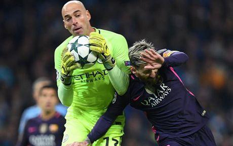 Cham diem Man City 3-1 Barca: Kevin de Bruyne che mo Messi - Anh 2