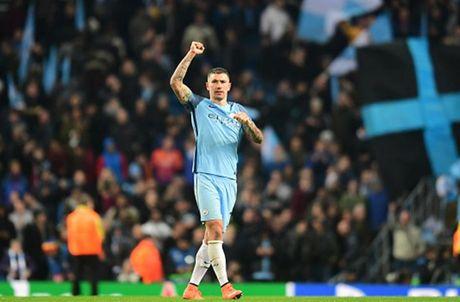 Cham diem Man City 3-1 Barca: Kevin de Bruyne che mo Messi - Anh 6