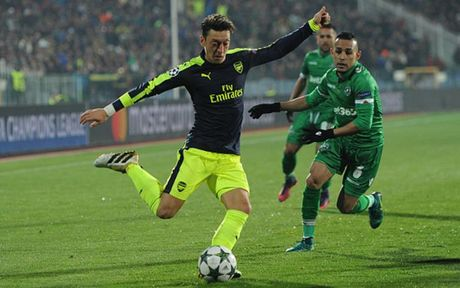 Oezil va 5 ngoi sao ruc sang nhat o Champions League rang sang 2/11 - Anh 9