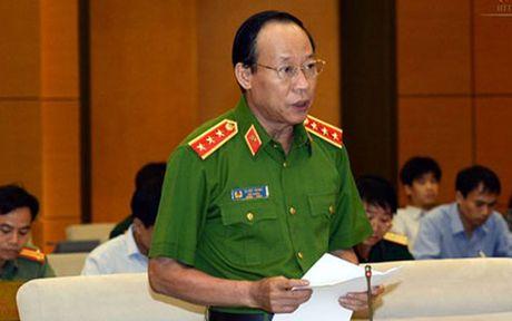 Thu truong Le Quy Vuong: Duong dong, xe cuu hoa khong nhanh duoc - Anh 1
