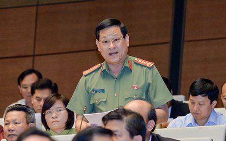 'Manh tay duoi viec can bo vi pham de lam guong' - Anh 1
