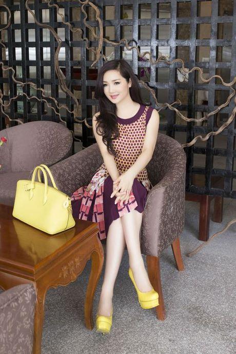 Soi khoi hang hieu 'kech xu' cua Hoa hau Giang My - Anh 4