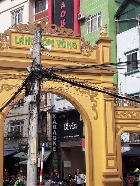 Vu chay 13 nguoi chet: Cac quan karaoke the nao sau lenh 'cam'? - Anh 3