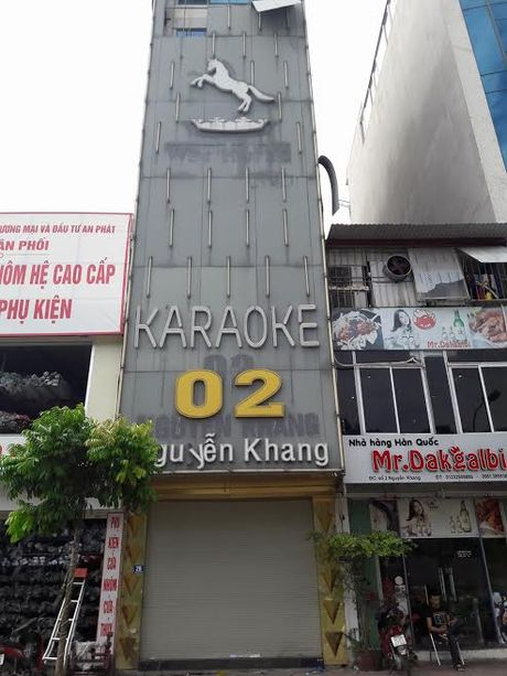 Vu chay 13 nguoi chet: Cac quan karaoke the nao sau lenh 'cam'? - Anh 6