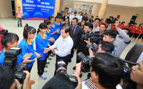 Nguyen Chu tich nuoc Nguyen Minh Triet tham va dong vien cac DTQG - Anh 10