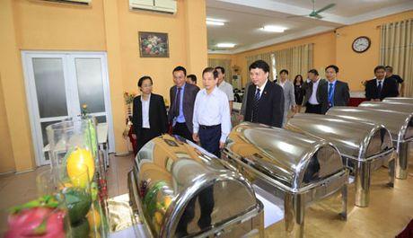Nguyen Chu tich nuoc Nguyen Minh Triet tham va dong vien cac DTQG - Anh 7