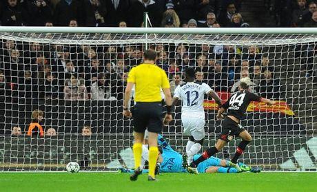 Thua tai Wembley, Tottenham chim sau trong khung hoang - Anh 4