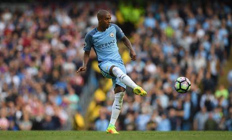 Top 10 chan chuyen tot nhat Premier League: Pogba thu 5, Oezil mat tich - Anh 2