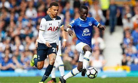 Top 10 chan chuyen tot nhat Premier League: Pogba thu 5, Oezil mat tich - Anh 6