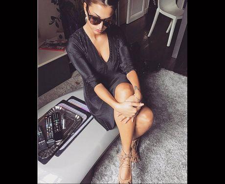 Melanie Da Cruz: Nguoi dep showbiz khien Martial bo vo - Anh 10