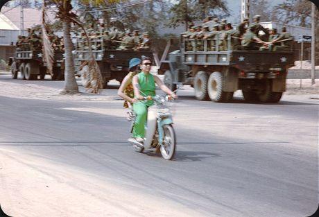 Bo anh cuc doc ve xe may o Nha Trang nam 1969 - Anh 12
