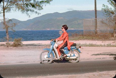 Bo anh cuc doc ve xe may o Nha Trang nam 1969 - Anh 1