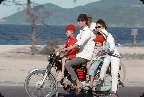 Bo anh cuc doc ve xe may o Nha Trang nam 1969 - Anh 6