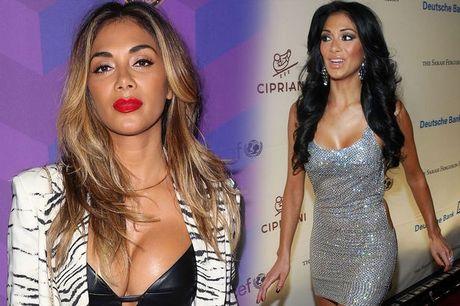Nu giam khao X Factor Nicole Scherzinger bi nghi nang nguc - Anh 8