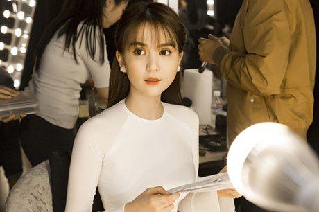 Ngoc Trinh mac vay goi cam khoe vu dao - Anh 6