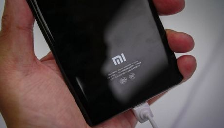 Xiaomi se gioi thieu bo doi smartphone gia re vao ngay 04/11 - Anh 1