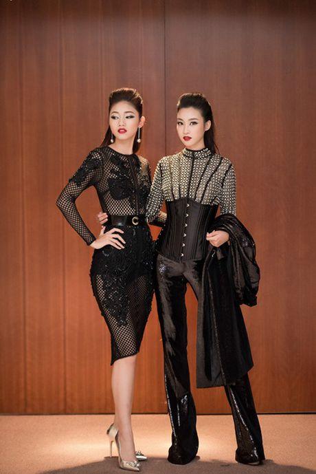 My Linh, Thanh Tu gay 'nao loan' tham do thoi trang voi phong cach doi lap - Anh 1