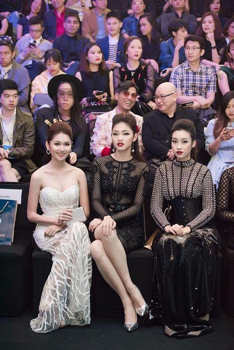 My Linh, Thanh Tu gay 'nao loan' tham do thoi trang voi phong cach doi lap - Anh 7