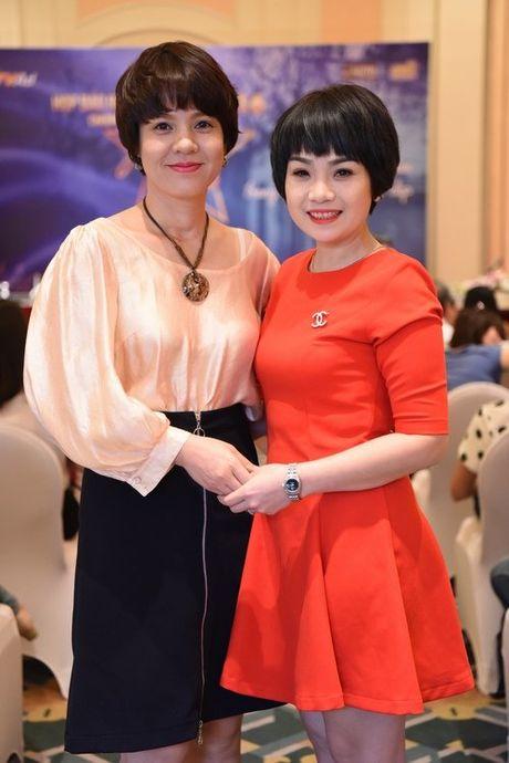 Nguong mo nhan sac 20 nam khong doi cua MC Diem Quynh - Anh 2