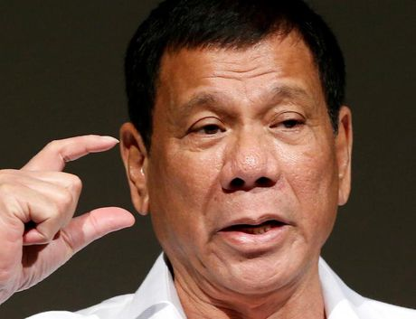 Ong Duterte noi gian khi My tu choi ban sung cho Philippines - Anh 1