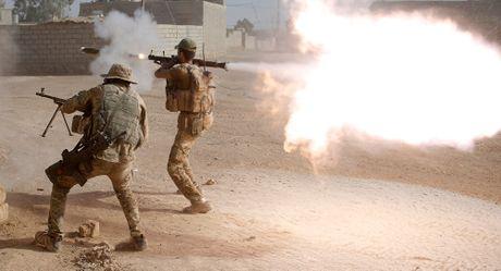 Chien dich tai chiem Mosul: IS tung chieu moi tang cuong khang cu - Anh 1
