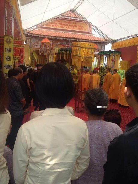 Nam Dinh: Dam tang voi hon 30 xe sang ruoc le gay xon xao - Anh 1