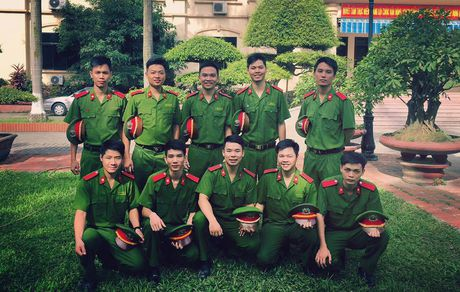 Sinh vien DH Phong chay Chua chay lung linh trong bo anh ky yeu - Anh 15