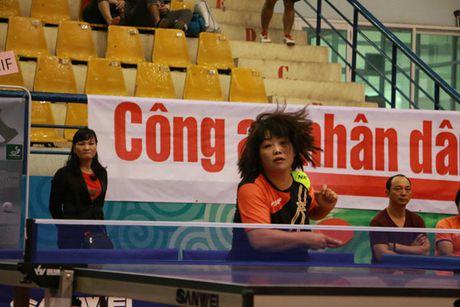 Khoi tranh Giai vo dich Dien dan bong ban Viet Nam lan thu 10 tranh Cup Bao CAND - Anh 4