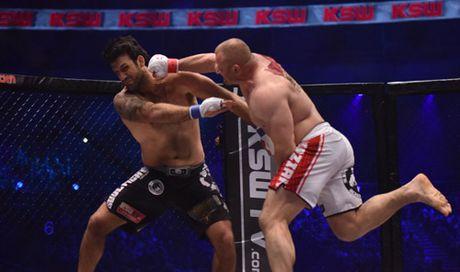 MMA: Luc si khoe nhat the gioi 1 dam ha cao thu Brazil - Anh 1