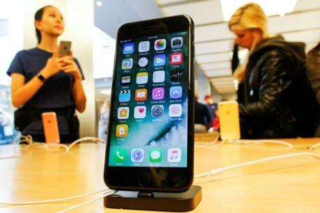 Apple se ap dung tinh nang sac khong day cho iPhone 8 - Anh 1