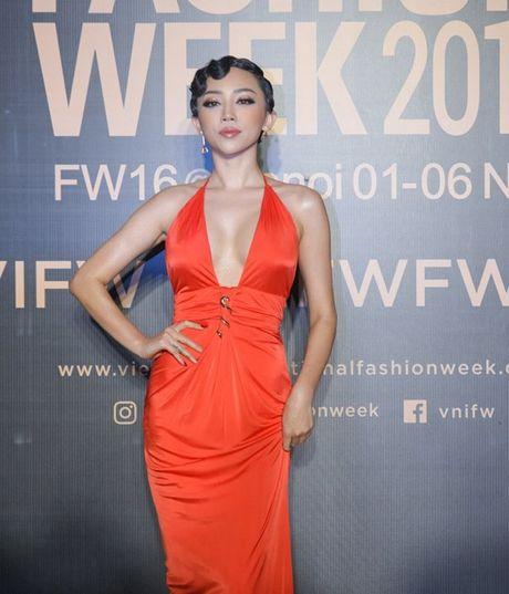 My Linh, Thanh Tu, Toc Tien do sac tren tham do 'Fashion Week 2016' - Anh 4