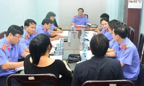 Lanh dao VKSNDTC tiep cong dan - Anh 2