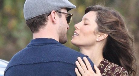 Justin Timberlake tinh tu voi vo tren truong quay - Anh 1