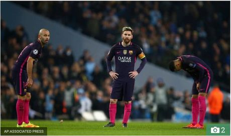 Lo danh tinh nguoi suyt bi Messi danh sau tran thua Man City - Anh 2