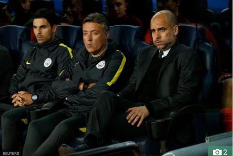 Lo danh tinh nguoi suyt bi Messi danh sau tran thua Man City - Anh 3