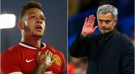 Mourinho lang nghe de nghi hoi mua Depay - Anh 1