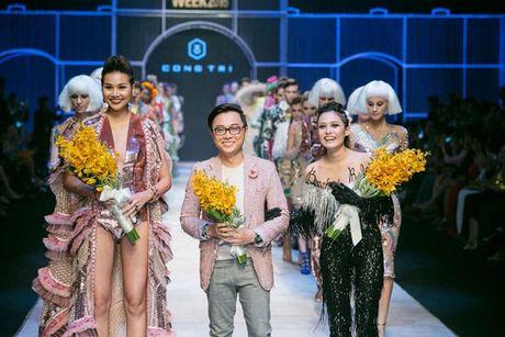 Thanh Hang om bo sen 2,1 ty dong trinh dien tren san khau - Anh 3