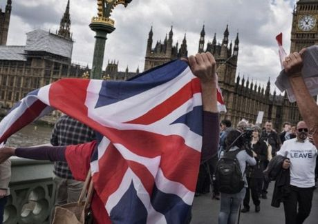 Toa an Toi cao Anh: Thu tuong khong the tu y kich hoat Brexit - Anh 1