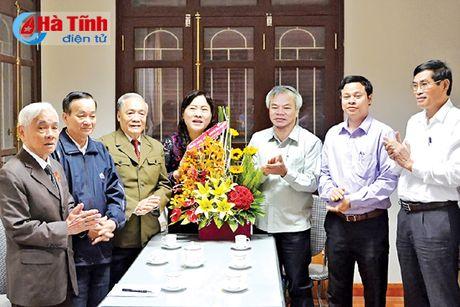 Thuong truc Tinh uy chuc mung doan dai bieu du DH Hoi Nguoi cao tuoi Viet Nam - Anh 1