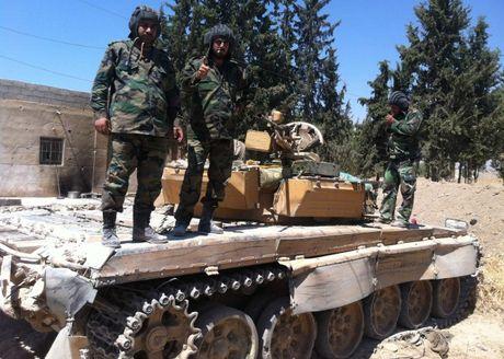Video chien su Aleppo: Quan doi Syria phan cong quyet liet luc luong Hoi giao cuc doan - Anh 1