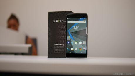 BlackBerry DTEK50 giam gia ca trieu dong, don duong cho DTEK60 - Anh 1