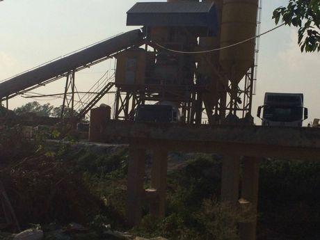 Thanh Tri: Tram tron be tong khong phep ton tai hang chuc nam tren dat nong nghiep khong bi xu ly - Anh 2