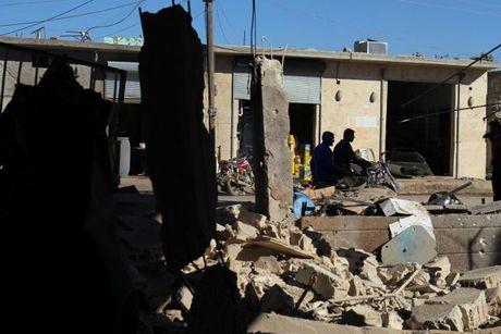 Quan noi day Syria tu choi rut khoi Aleppo - Anh 1