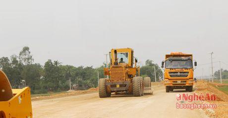 Den 15/12, thong xe tuyen duong N5 phuc vu san xuat Nha may xi mang Song Lam - Anh 4