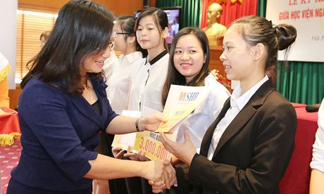 SHB hop tac dao tao phat trien nguon nhan luc chat luong cao - Anh 2