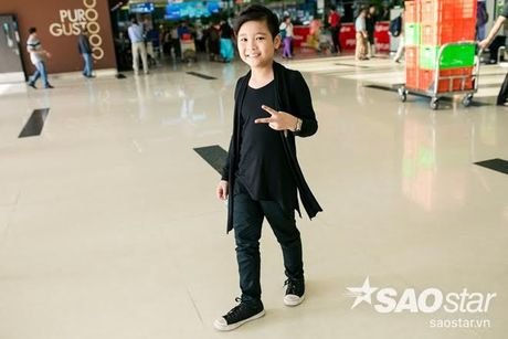 Hau The Voice Kids 2016, fan ra san bay tien Nhat Minh tro ve nha - Anh 6