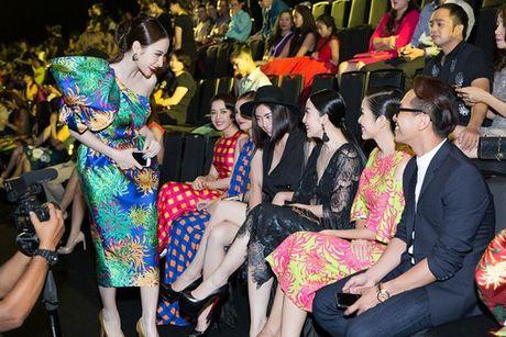 Angela Phuong Trinh va hai su co tham do kho quen - Anh 6