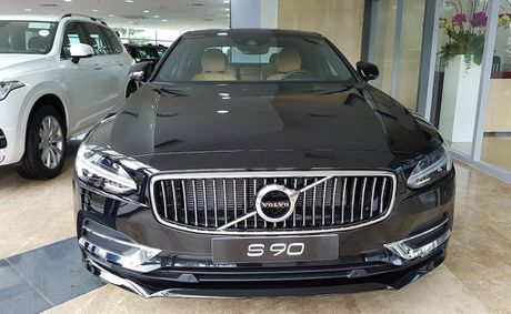Can canh Volvo S90 gia 2,7 ti dong tai Viet Nam - Anh 4