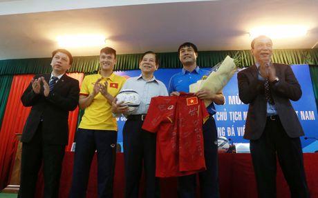 Nguyen Chu tich nuoc Nguyen Minh Triet: 'Phai lay bong da nuoi bong da' - Anh 2