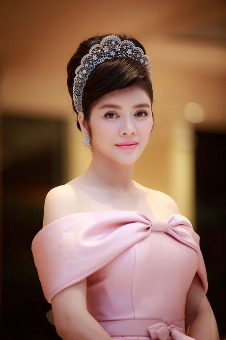 Ly Nha Ky choi troi voi trang suc vuong mien nam kim cuong - Anh 3